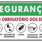 Segurança uso obrigatório 30x20cm