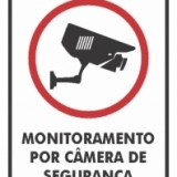 Monitoramento por câmera de segurança 15x20cm