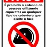 Proibido entrar com capacete 20x30cm